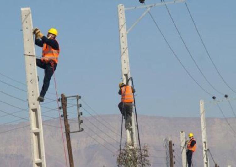 خبرنگاران برق 37 روستای سیلزده لرستان قطع است