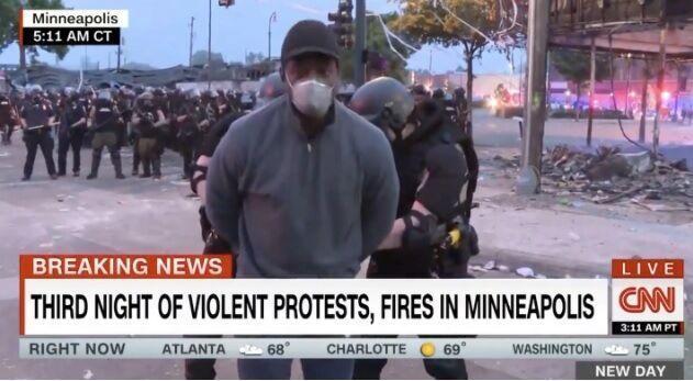 خبرنگاران بازداشت خبرنگار سی ان ان به دلیل بازتاب اعتراضات خیابانی آمریکا