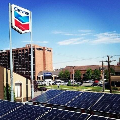 استفاده از پنلهای خورشیدی برای تولید ارزانتر نفت