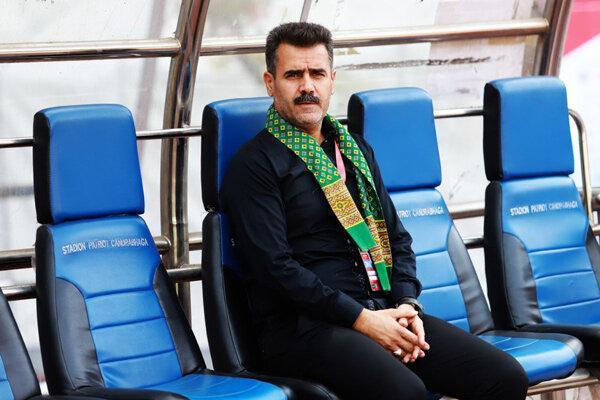 تصمیم عجیب سرمربی تیم فوتبال پارس برای دوری از حاشیه