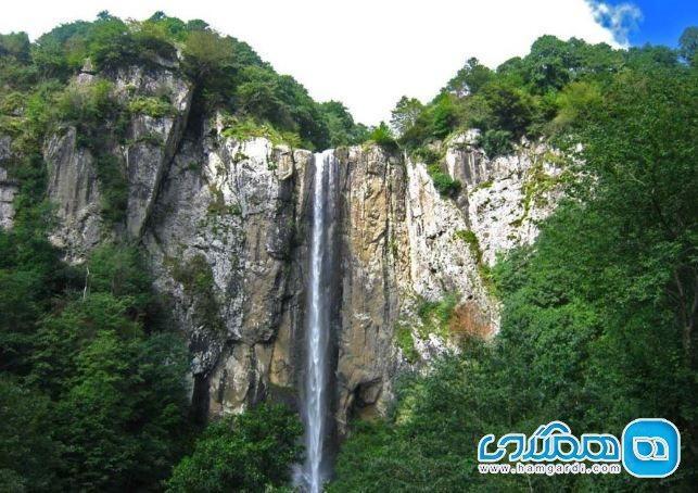 آبشار لاتون گیلان ، ارتفاعی به بلندای آسمان