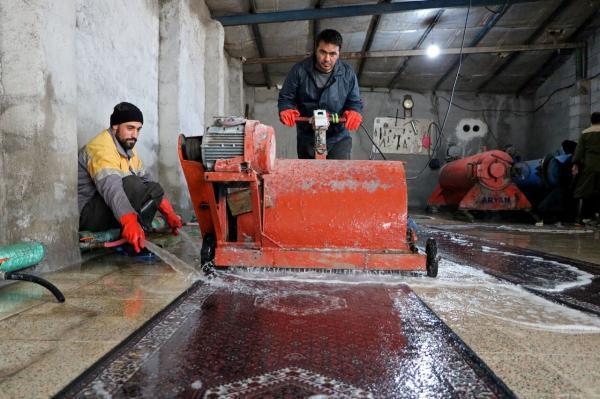 خبرنگاران مسائل کارگاه های قالیشویی قزوین در آستانه نوروز